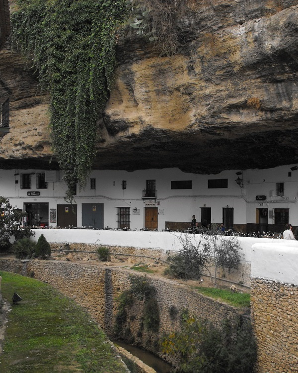 rent finca by Setenil de las Bodegas and Ronda, Andalucía, Spain
